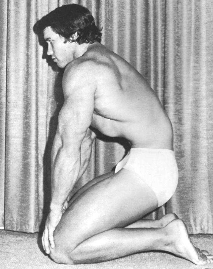 Arnold Schwarzenegger Stomach vacuum
